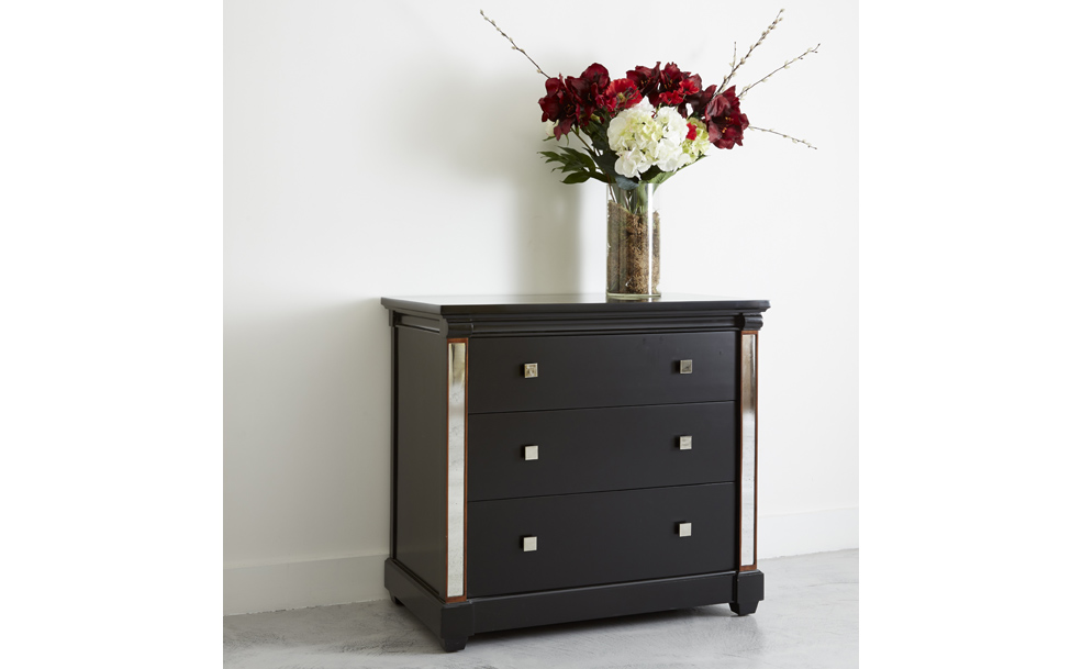 Torberry 3 drawer chest