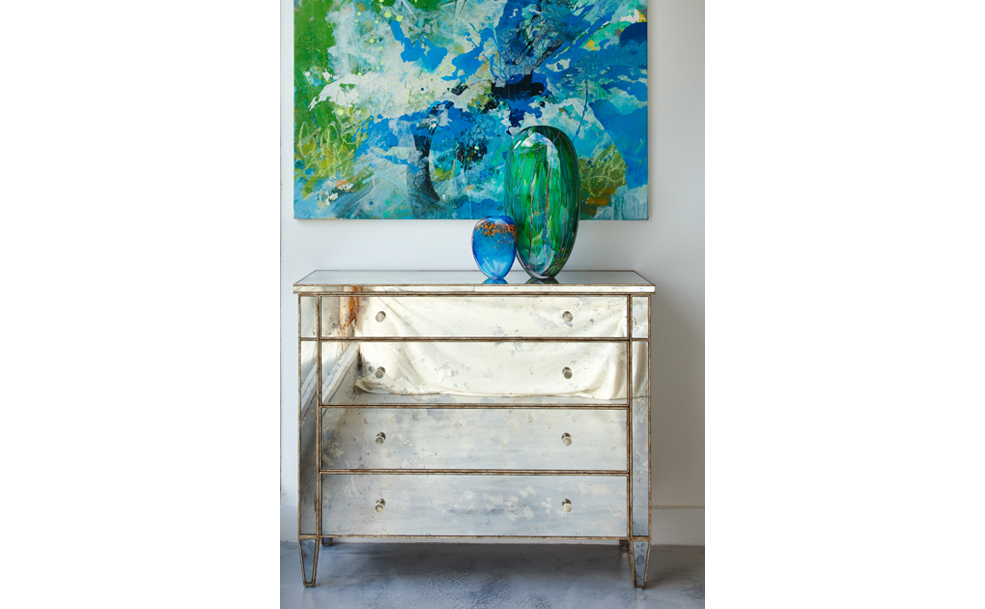 Valentino 4 drawer chest