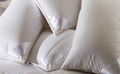 Display Pillows Duvets