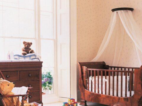 Nursery Coronet With Cot